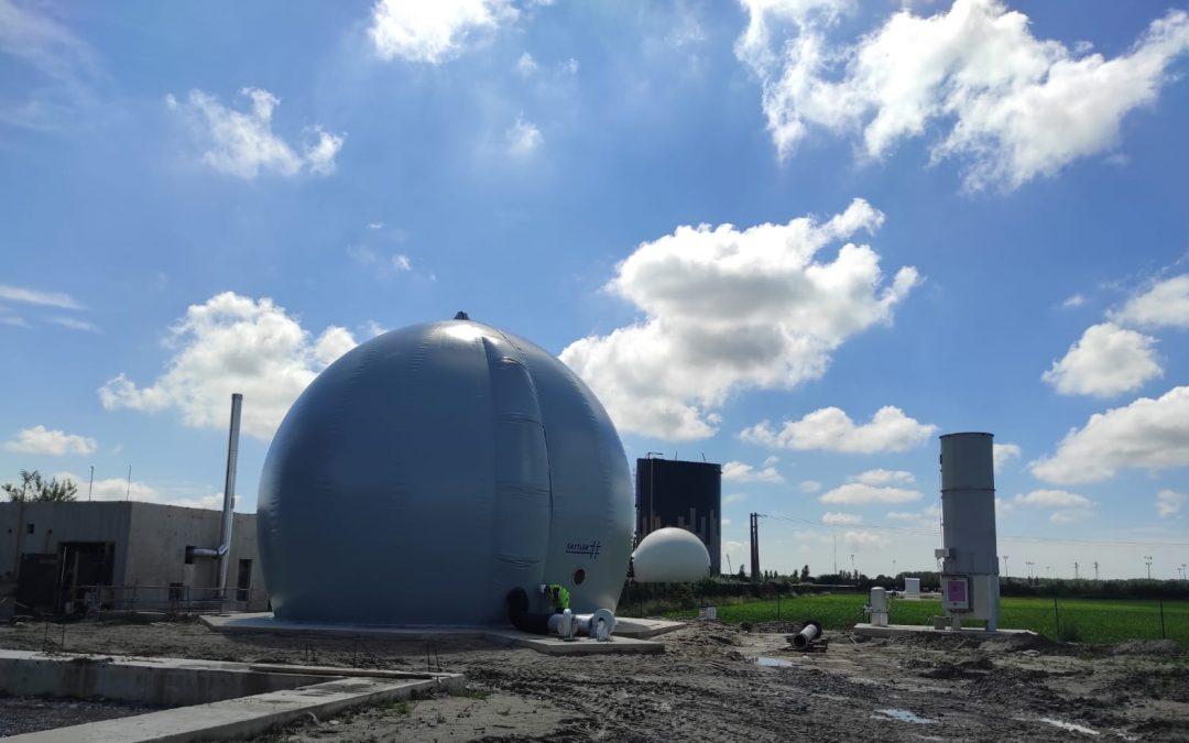 Gasométro y antorcha por planta de biogas